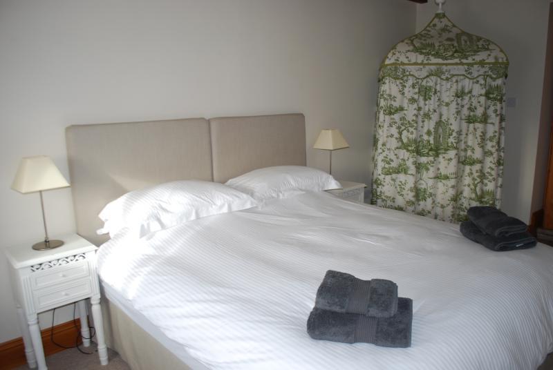 Superking/twin bedroom
