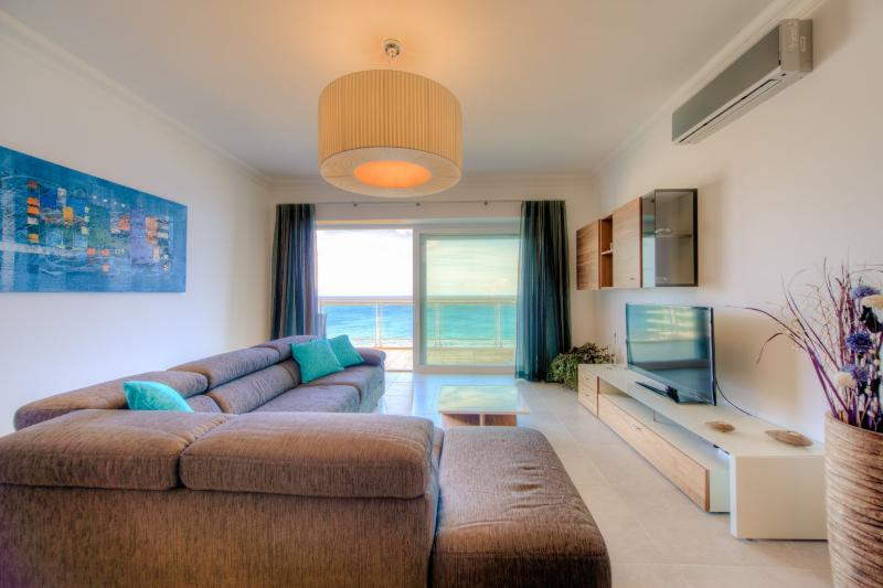 Open Plan Living Area with Seaviews and LCD TV