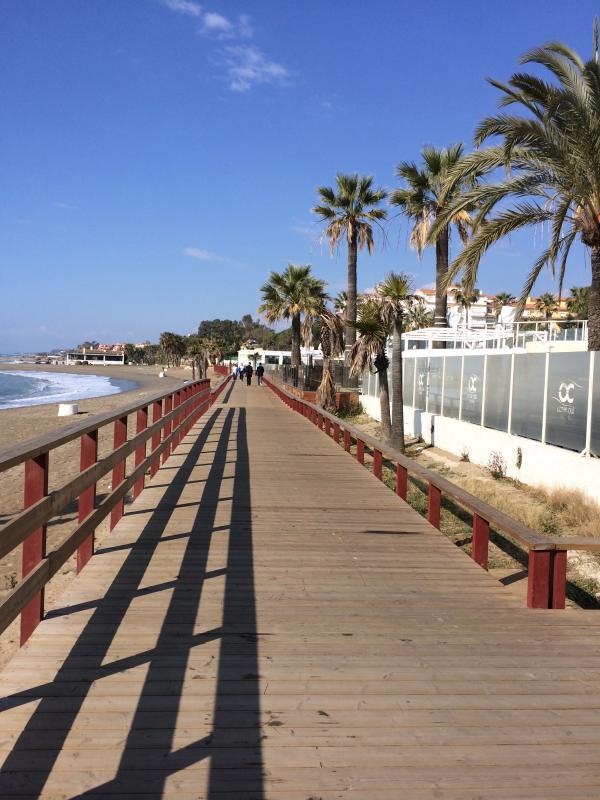 Puerto Banus Beach Front Apartment Andalucia Del Mar