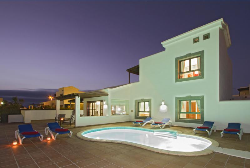 Villa Del Dos Hijos, vacation rental in Playa Blanca
