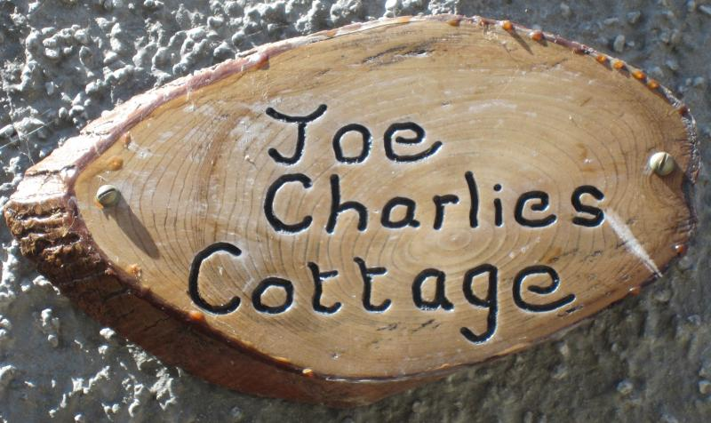 Joe Charlie's Irish Cottage, holiday rental in Cushendun