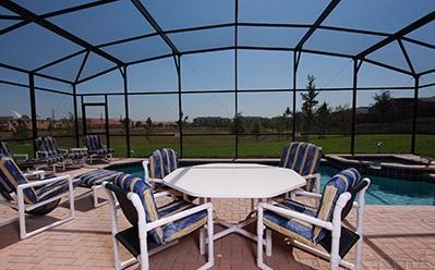 Vista desde la piscina, ideal para relajarse, desayuno...