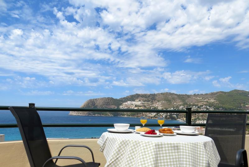 Marvellous views across the bay of La Herradura