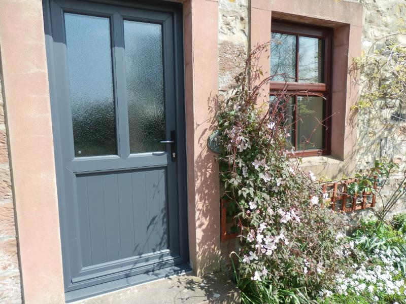 Hayloft - one bedroom cottage @ Milburn Grange