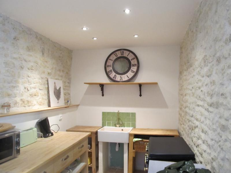 The character kitchen of the attached cottage. Fully equipped