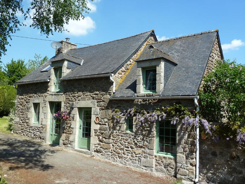 Pretty stone cottage in the Breton countryside