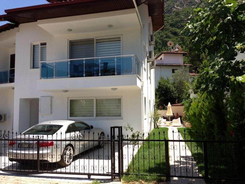 Newly constructed Garden VIlla New, 2 bedrooms for 6 sleeps and 4 balconies with stunning views