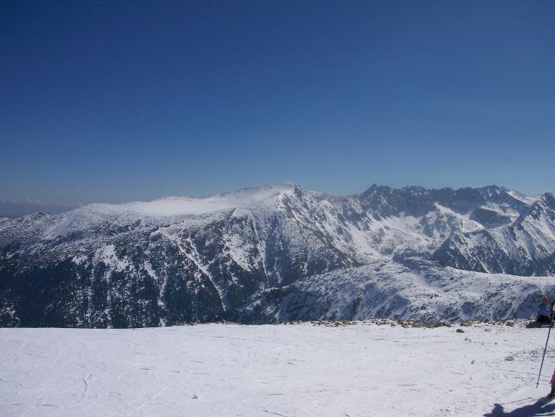 La cima del mundo, temporada de esquí es realmente una gran experiencia en Bansko, Bulgaria