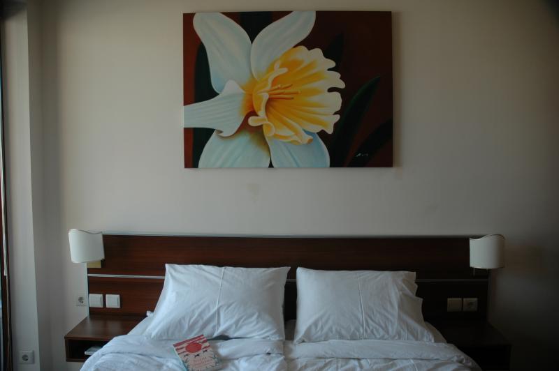El dormitorio tiene dos camas individuales que se pueden juntar para hacer una doble o dividir