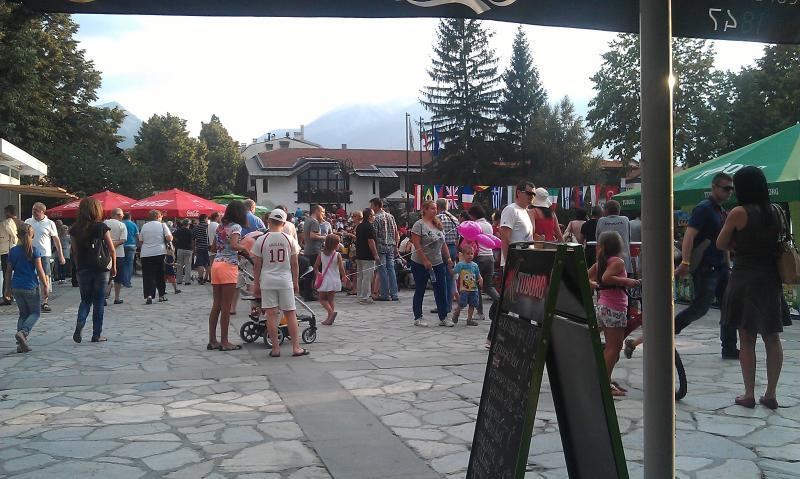 festival internacional de Jazz cada año alrededor del 8 de agosto, realmente tiene un gran zumbido a la ciudad