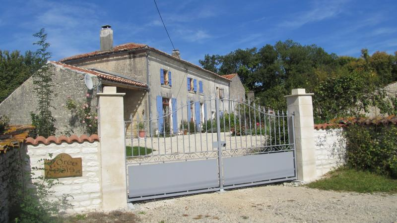 Farmhouse L'Oree du Bois Large family groups, holiday rental in Cresse