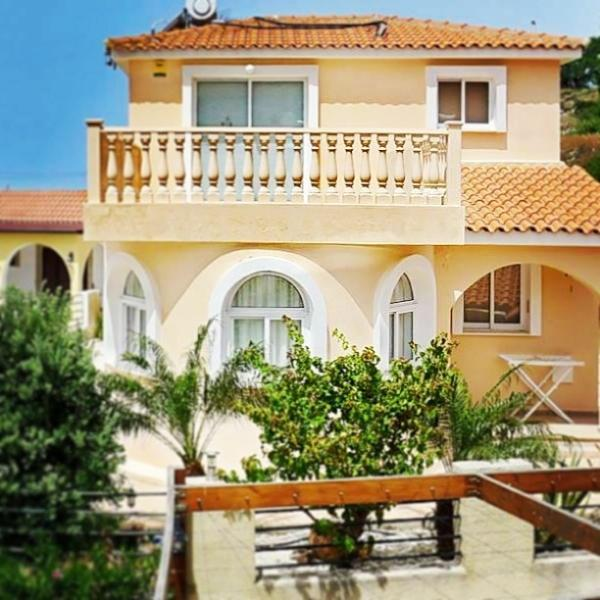 Panthea Villa - beautifully set close to the quiet villiage of Tsada surrounded by vista's of P