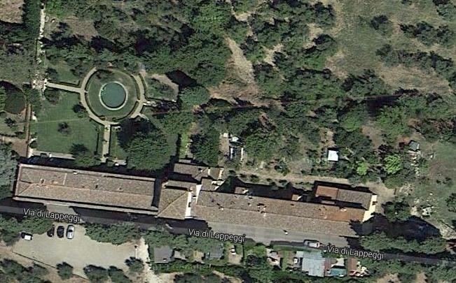 vista dall'alto della Limonaia della Villa Medicea di Lappeggi