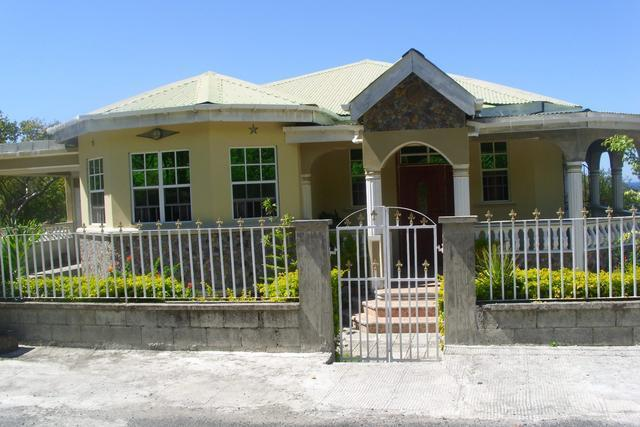 Corosol Apartments, holiday rental in Dominica