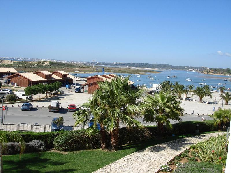 Fabulous Apartment Clube Alvor Ria (Best Complex), holiday rental in Faro District
