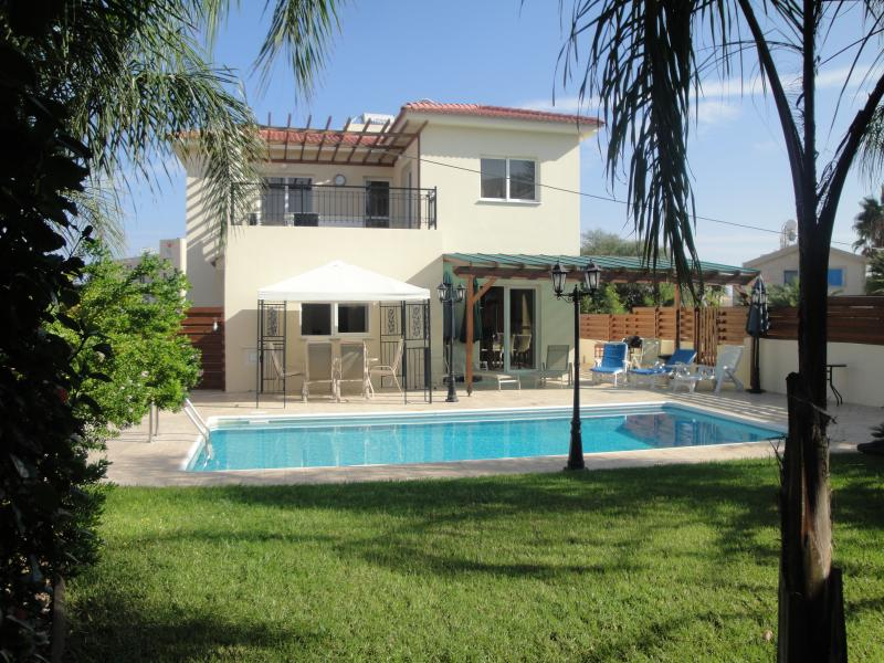 3 Bedroomed Detached Villa with private pool