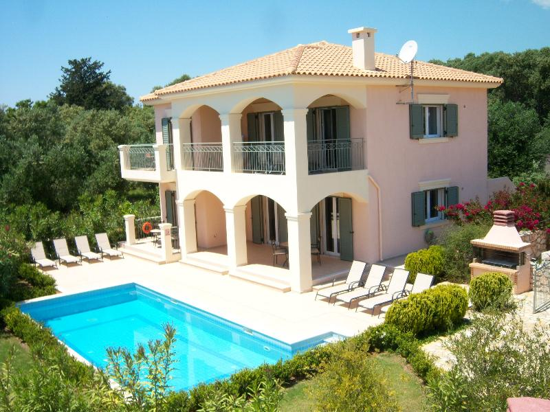 Your villa, large Pool ,BBQ and Gardens