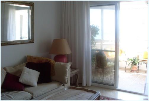 Sitting room to the Sea Balcony