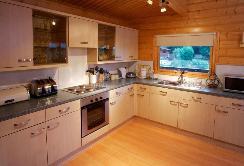 Kitchen, Birchlea Lodge. Full electric oven & hob. Microwave. Full size fridge/freezer. Dishwash
