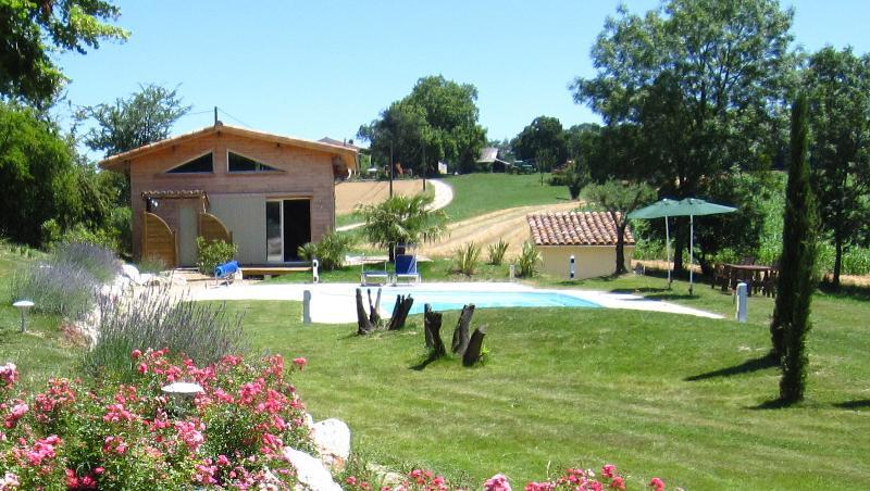 Une 'Cabane' de luxe avec terrasse donnant sur la campagne