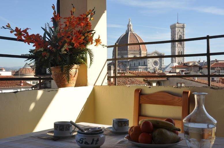 VENERE - Huge 3 bedrooms flat with terrace with Duomo view, vacation rental in Florence
