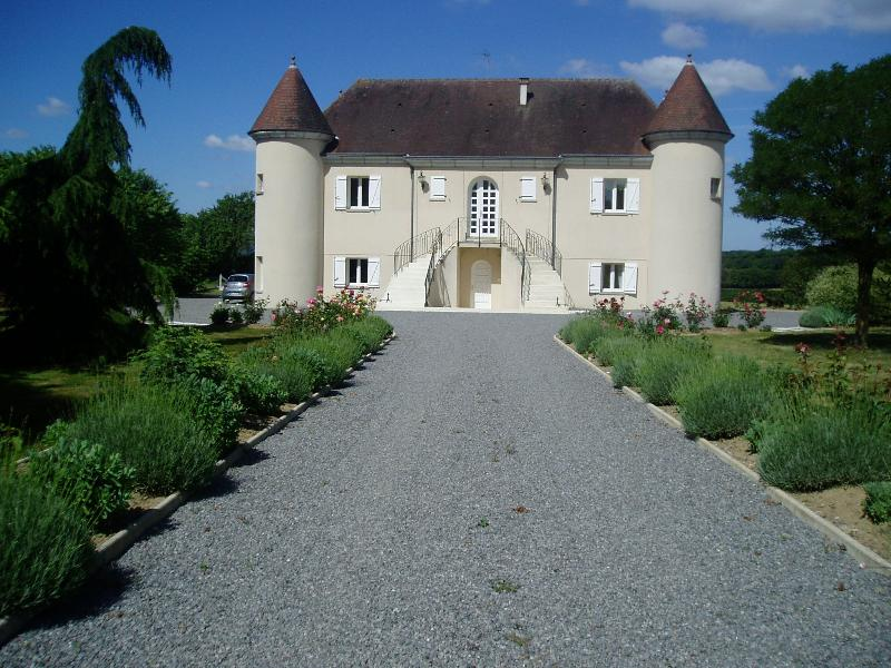 Welcome to Chateau de la Rapidiere, a beautiful chateau situated in the quiet hamlet of La Rapidiere