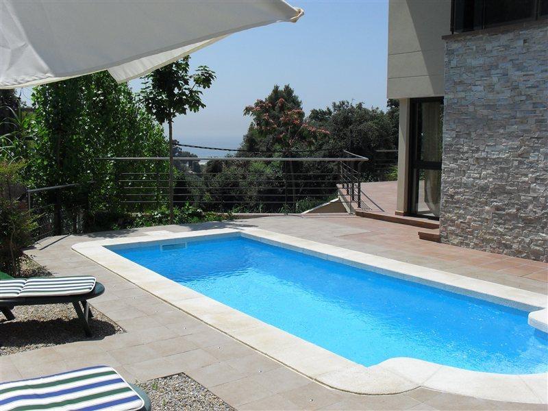 Beautiful villa with pool, location de vacances à Santa Susanna