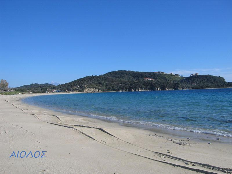Alikes beach (1 km from Eolos)