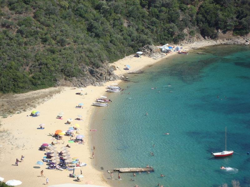 Karagatsia beach (3 km from Eolos)