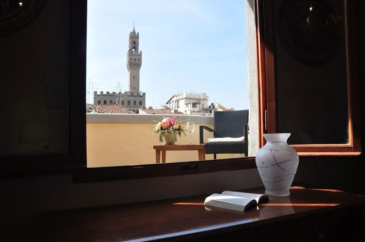 Romantic View Wonderful Flat, vacation rental in Florence