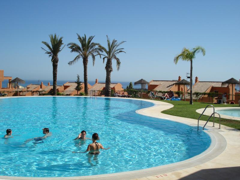Beautiful 2 plus 2, duplex penthouse, SPAIN IS OPEN 1JULY FOR TOURIST., holiday rental in Marbella