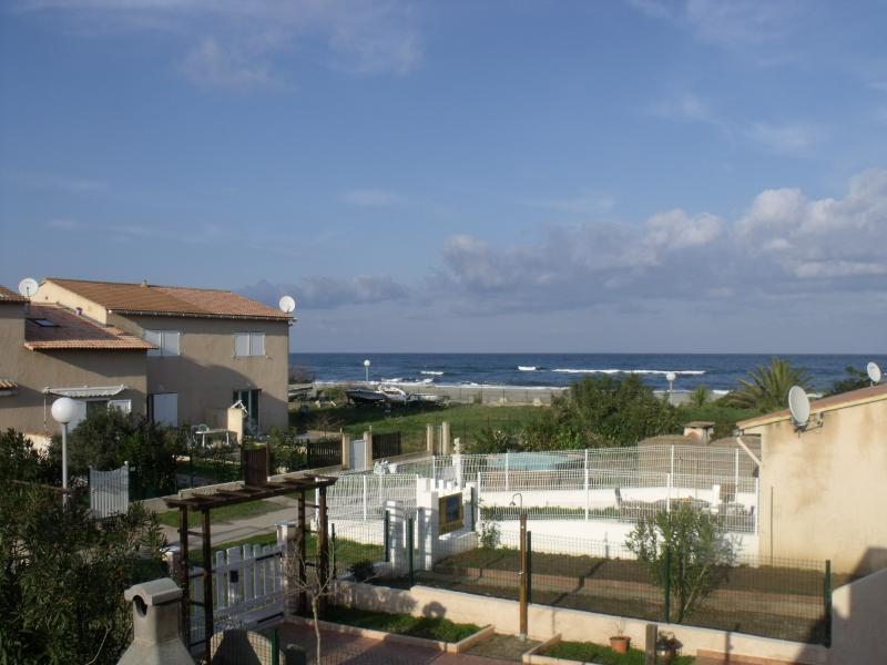 T2 - 50m de la plage - vue mer, holiday rental in Borgo