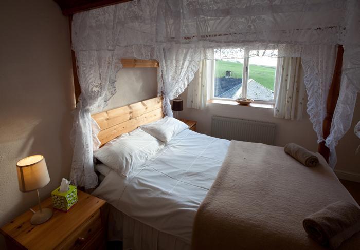 4 Poster double bedroom