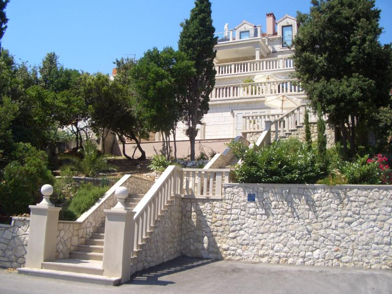 Villa Jade, front row to the sea; 15 mins walk to the Historic walled city of Korcula Town