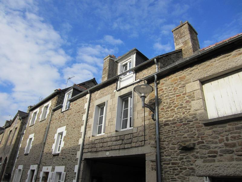 A chic and comfortable stone built house, a short walk from the historic centre of Dinan.
