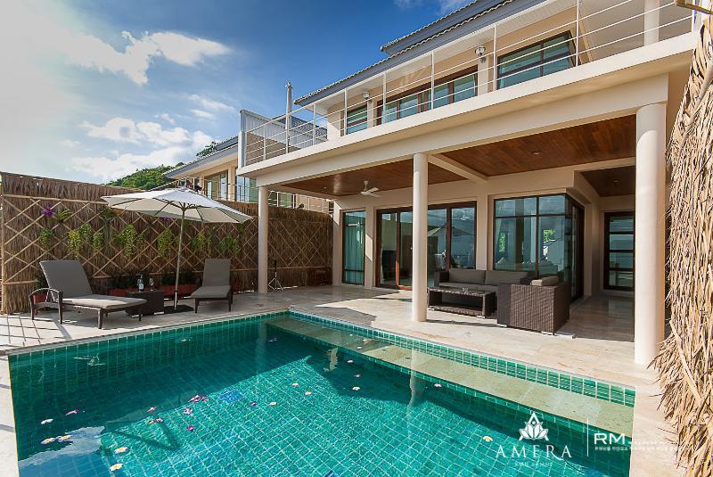 Stunning villa 2 mins to beach, location de vacances à Province de Ranong