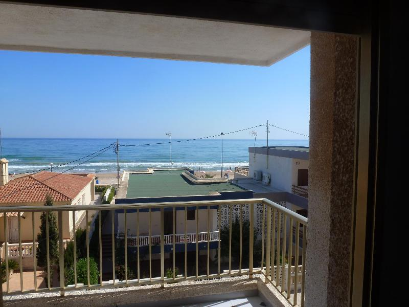 Playa Miramar Bandera Azul, holiday rental in Piles