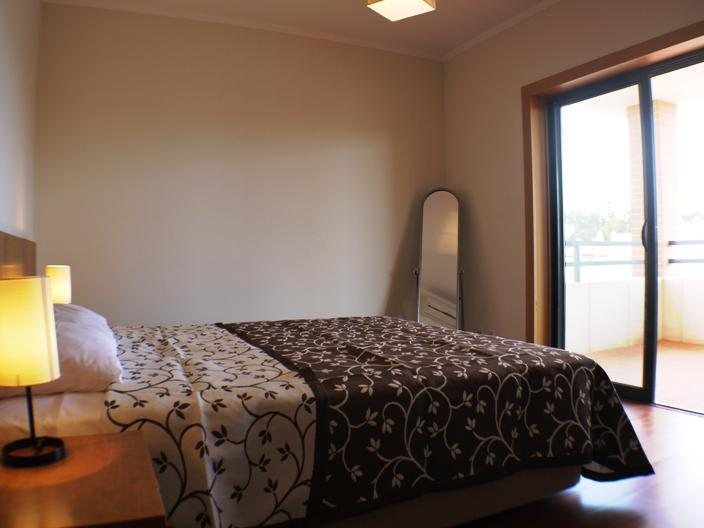 Master Bedroom - Double bed & access to large balcony