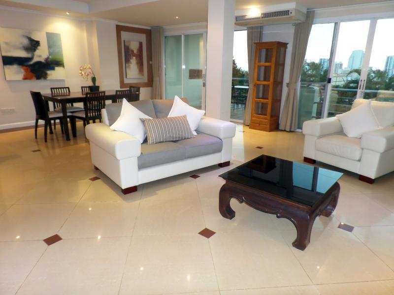 Westbury Residence – semesterbostad i Pattaya