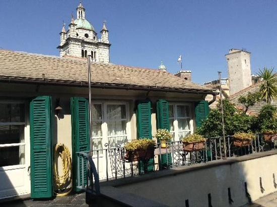 Attico romantico nel cuore della Genova bed and breakfast unica stanza, vacation rental in Genoa