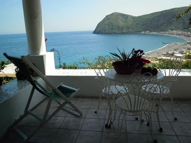 Amazing apartments ('C'), vacation rental in Aeolian Islands