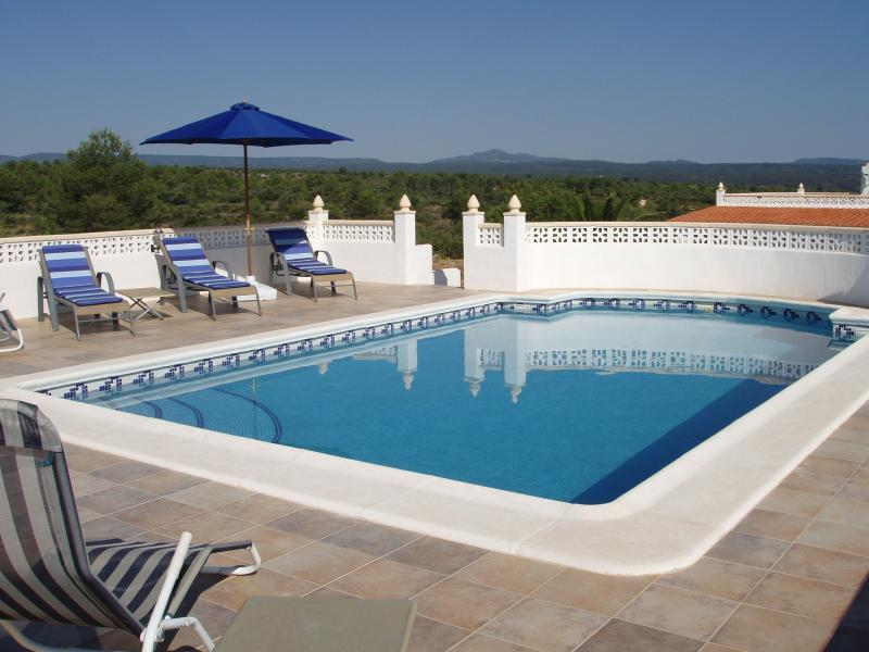 Stunning Raised Pool  - private, not overlooked - views towards National Park and mountains