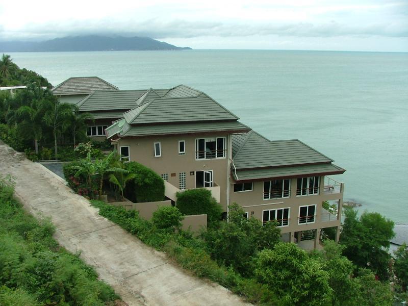 Looking North side of the villa showing the 5 levels down the slope to the ocean below..