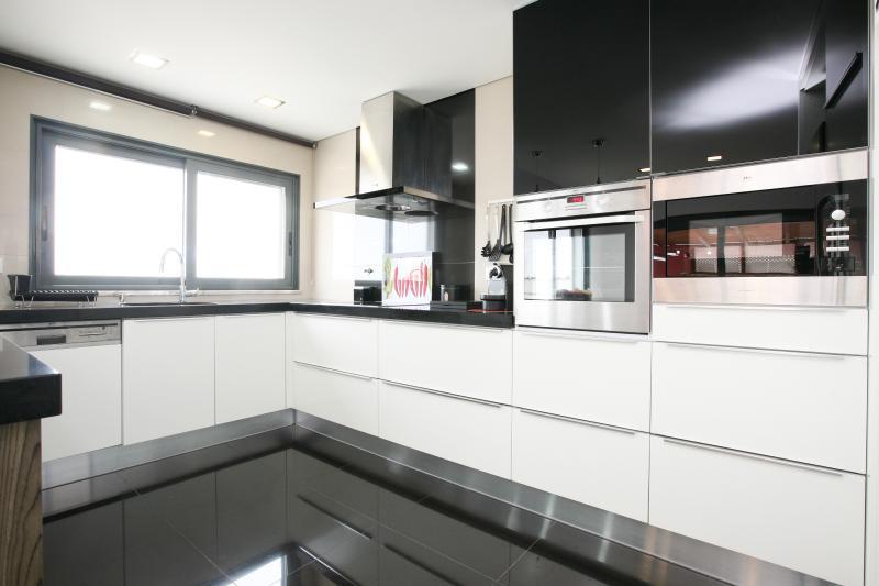 HolidayOnJ - Kitchen AC