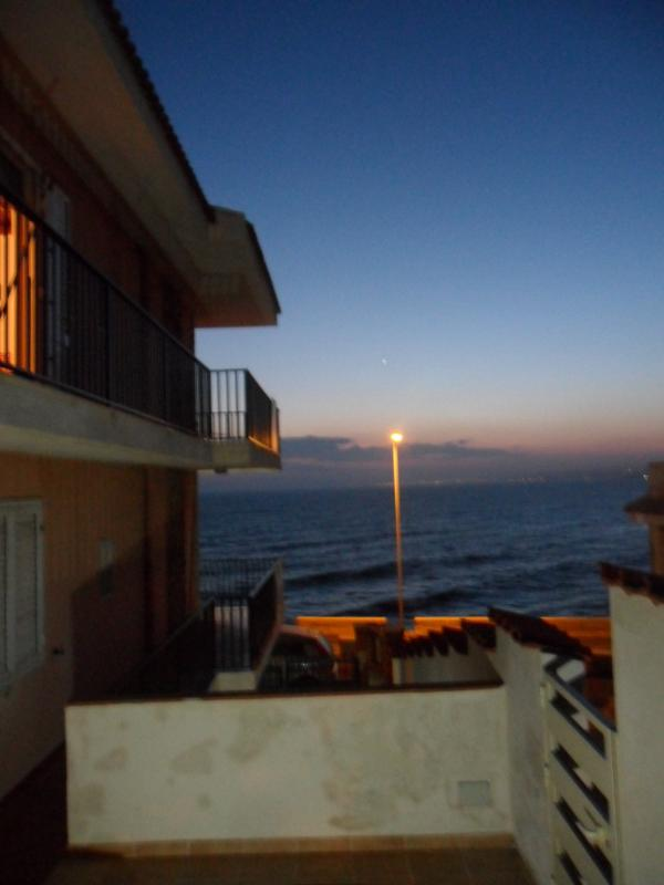 is evening ... view of the sea ... and ... serenity and peace ... ... it's nice to daydream