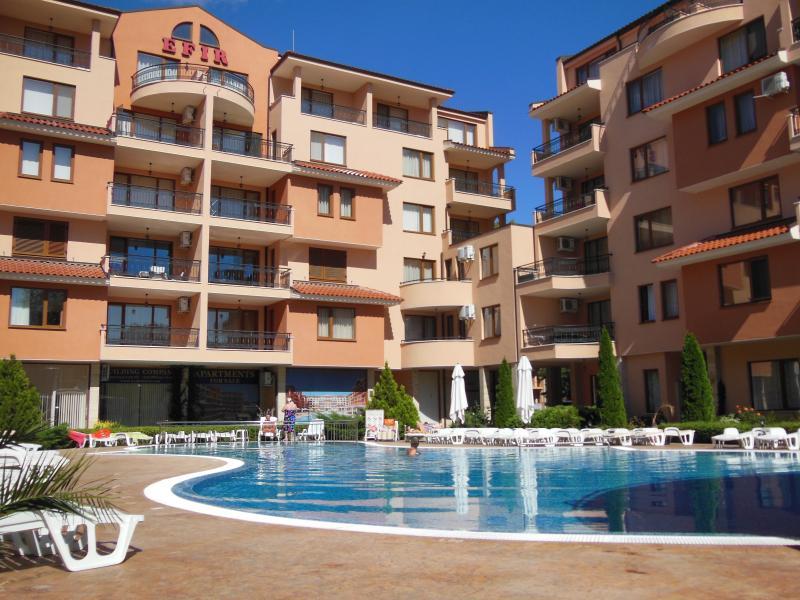 Efir Holiday Village