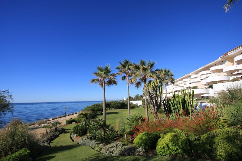 Stunning unobstructed 180 degree See view Costa del Sol - Sinfonia del Mar, location de vacances à Estepona