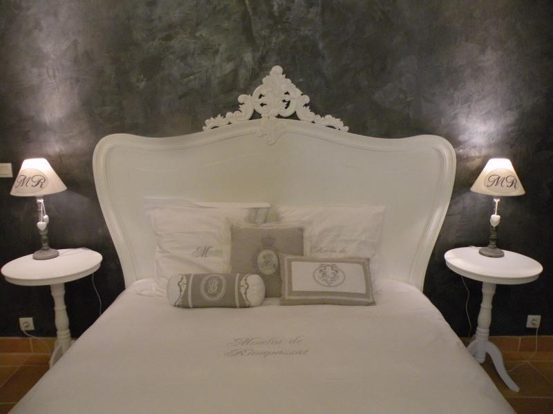 Chambre Comtesse grand lit de 160 avec matelas haut de gamme à mémoire de forme