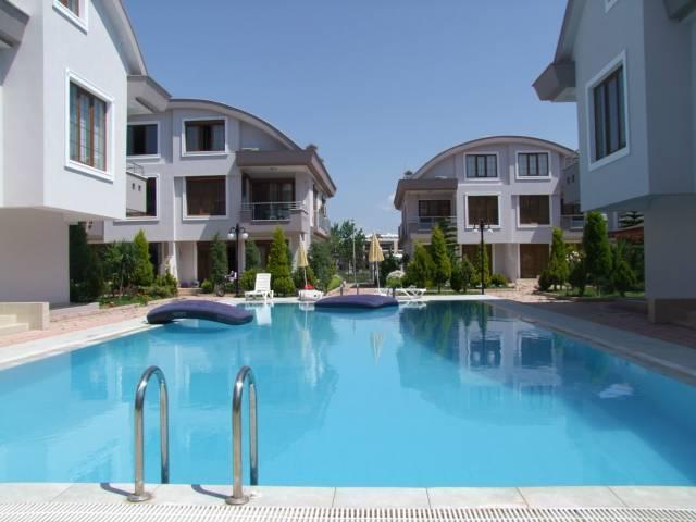 Belek semi detached villa, aluguéis de temporada em Bogazkent