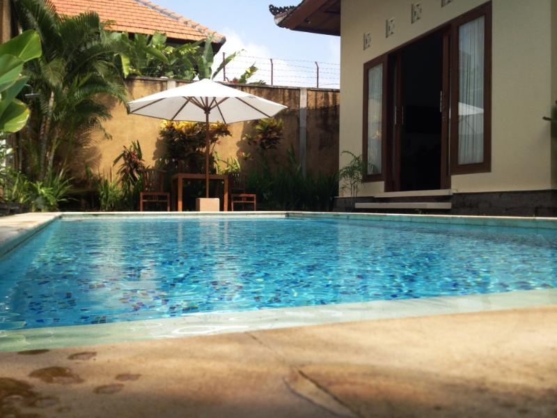 jump from bedrooms to swimming pool